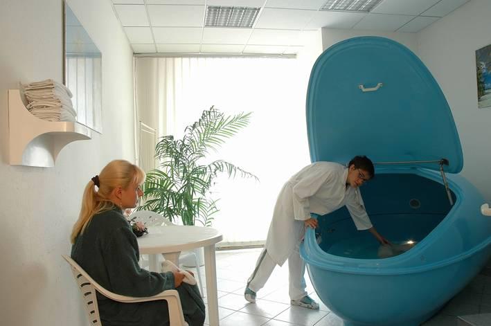 Санатории, специализирующиеся на лечении запоров в карловых варах