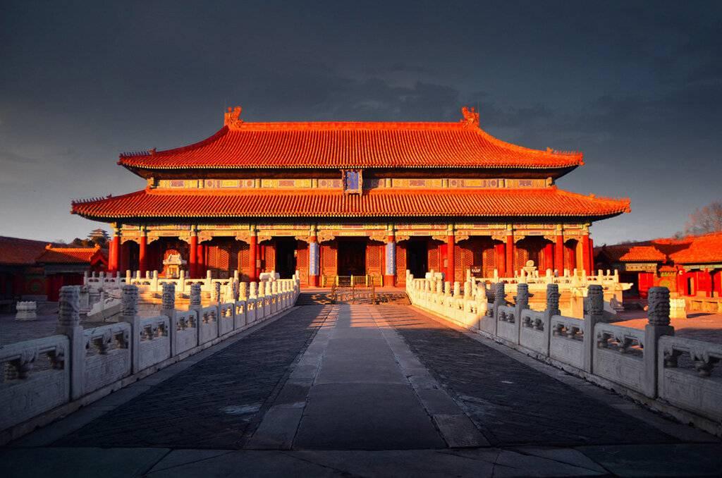 Запретный город в пекине -                         - дворец последних 24 императоров китая