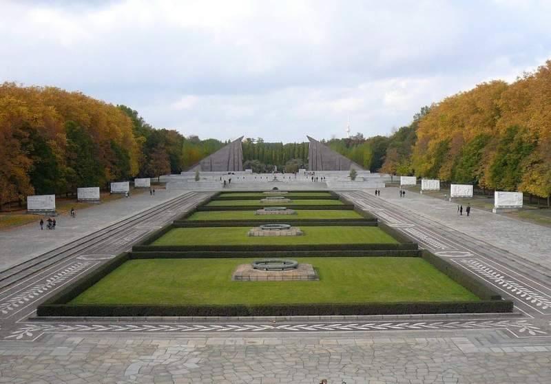 Трептов парк в берлине – памятник советским воинам в германии ⋆