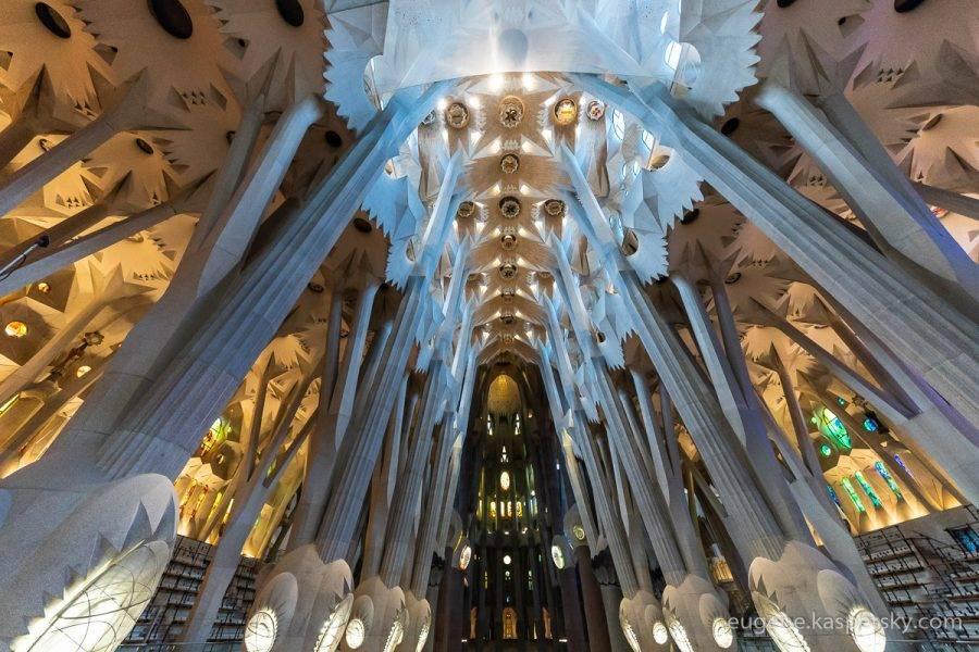 Будет ли строительство собора святого семейства закончено в 2026 году?