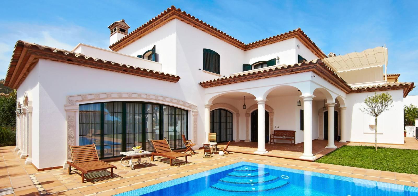 Региональные особенности архитектуры в испании