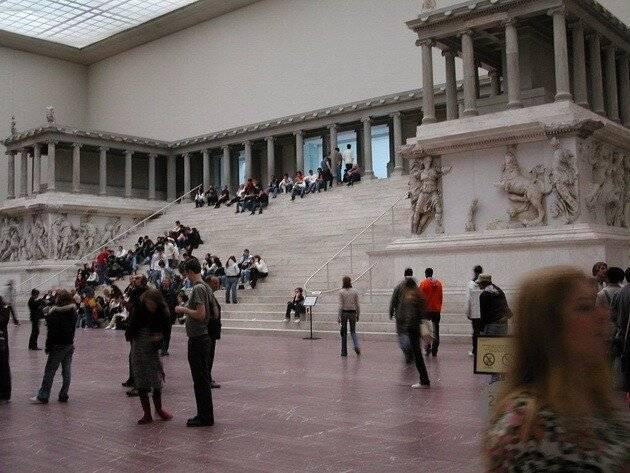 Новый музей в берлине - нефертити и другие удивительные экспонаты – так удобно!  traveltu.ru