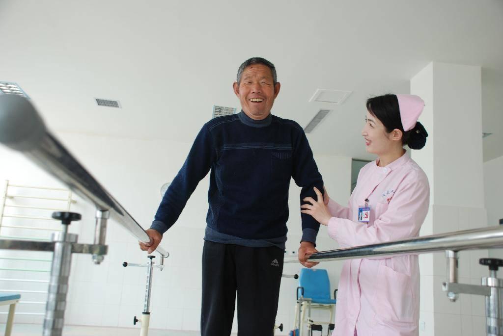 Медицинская страховка nfz в польше: что это и сколько стоит страхование здоровья для иностранцев?