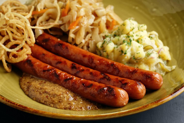 Немецкие колбаски: топ-10 видов, что попробовать, названия с фото