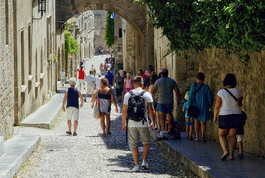 Налоги в греции в 2021 году: для туристов в отелях, на недвижимость,