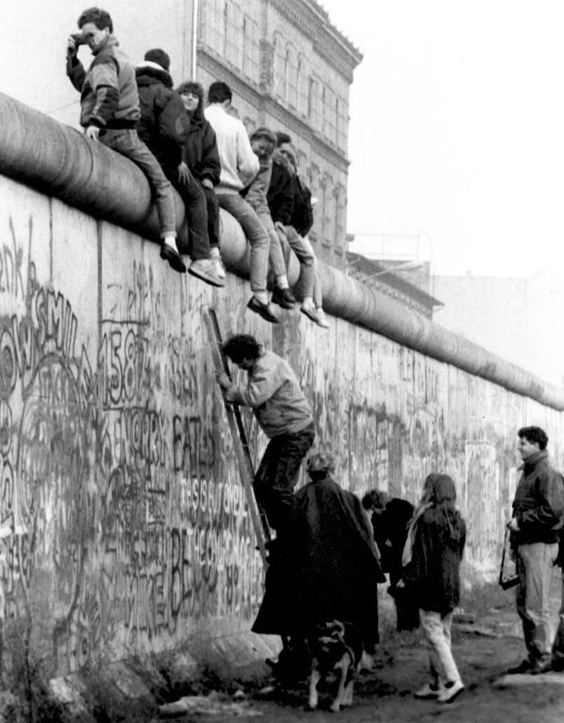 Статьи по теме - берлинская стена