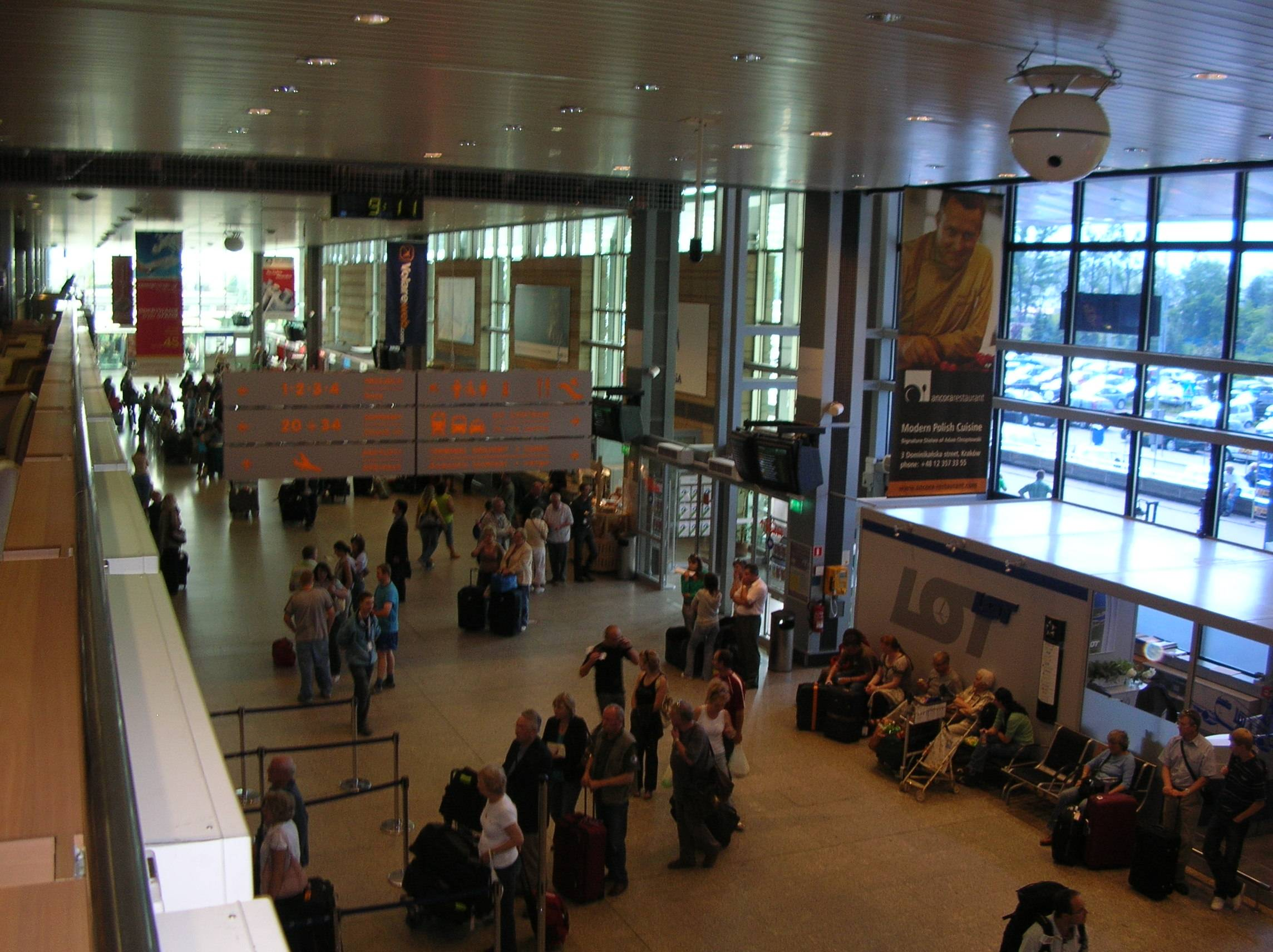 Второй по значимости аэропорт польши – краков-балице имени иоанна павла ii