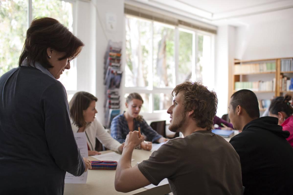 Лучшие онлайн-курсы испанского языка для начинающих взрослых: цены на обучение