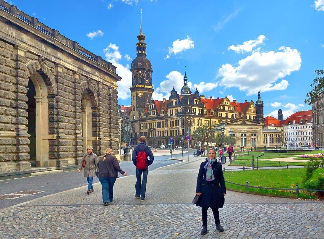 Дрезденский замок (дворец-резиденция), дрезден (германия): история, фото, как добраться, адрес на карте и время работы в 2021