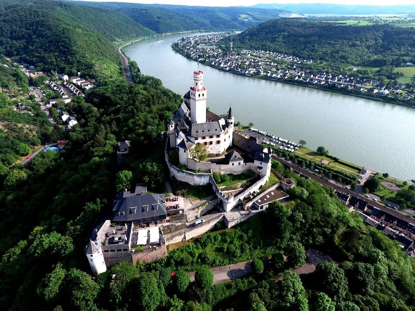 Замок мальборк — мариенбург: самый большой кирпичный замок в мире