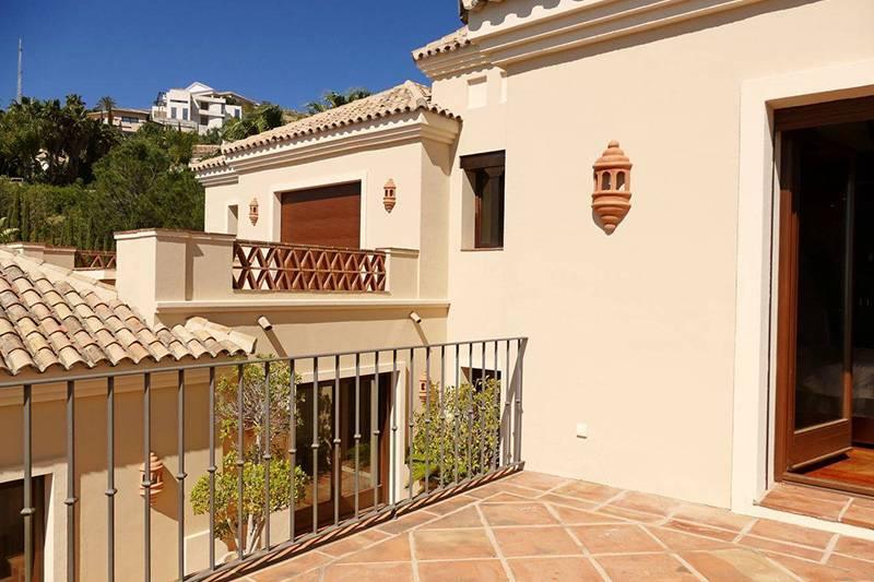 Как грамотно подойти к покупке недвижимости в испании: всё об оформлении договора, регистрации, кредитах + видео