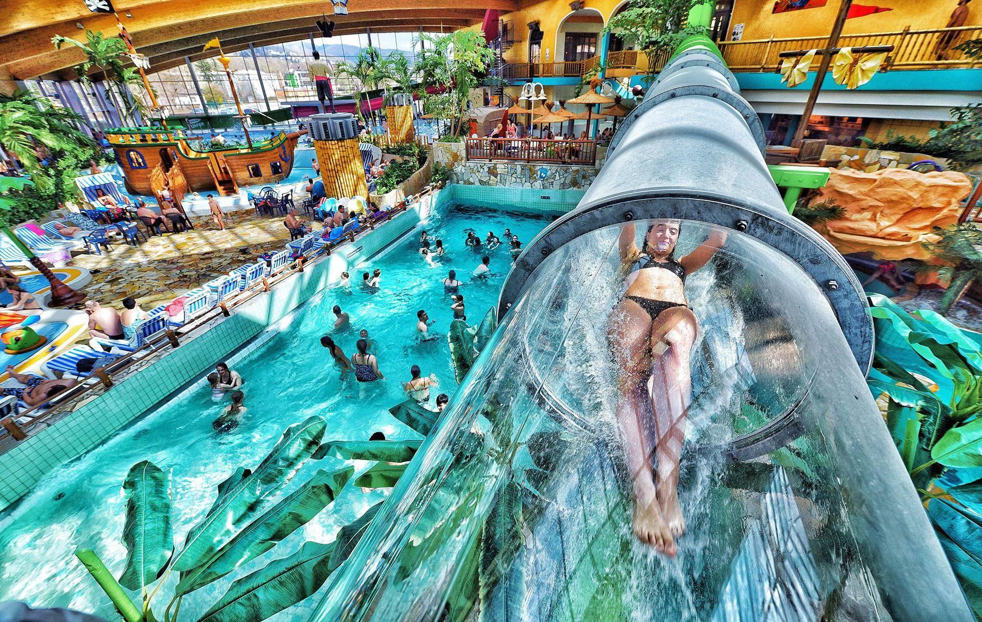 Аквапарк в Берлине – единственный в мире