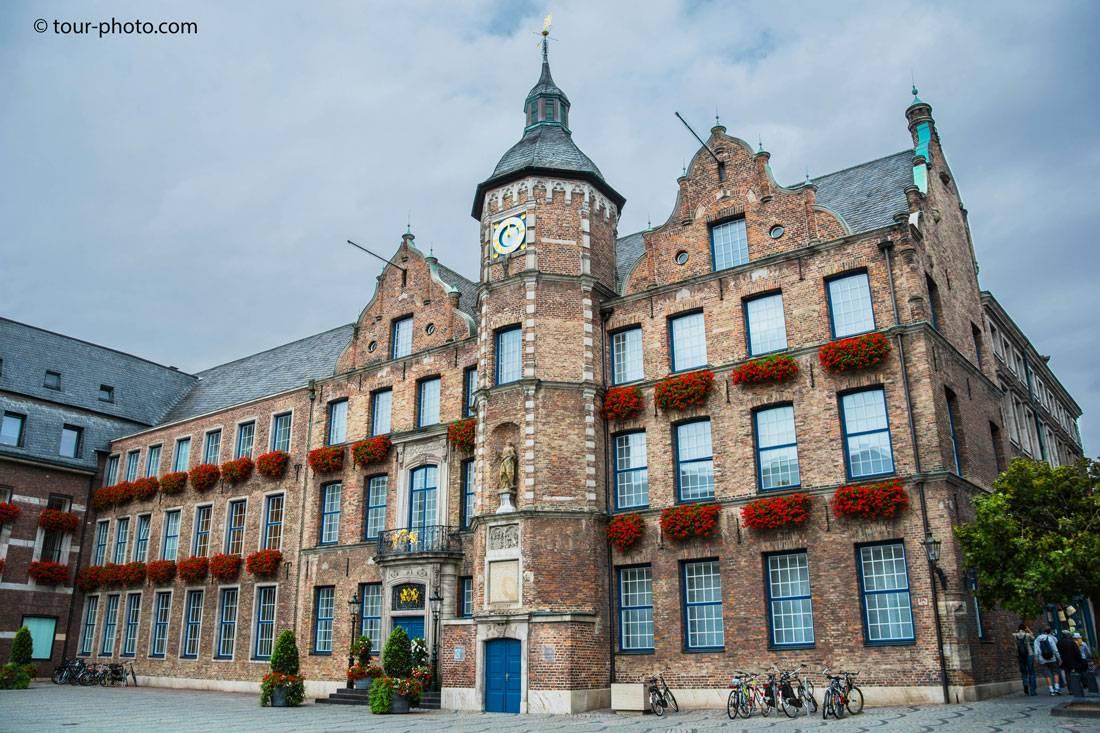 Брюссельская ратуша, бельгия — отели рядом, фото и описание, видео, как добраться, экскурсии и цены – туристер.ру