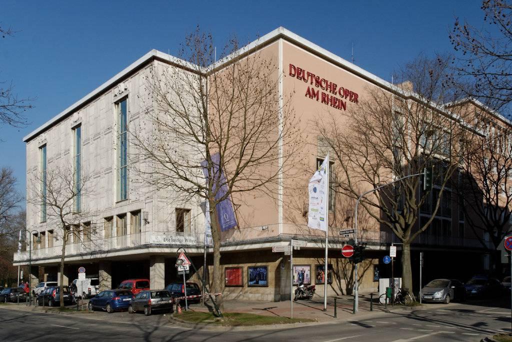 Дюсельдорфский оперный театр в 2021